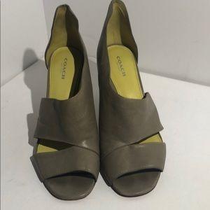 Authentic Coach heel - size 9B